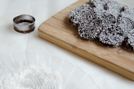 raw vegan chocolate date cookies with coconut
